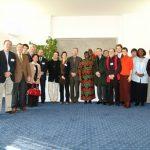 photo_groupe_avec_Wangari_Maathai_web-345x259